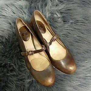 Lois MJ Leather Frye heels